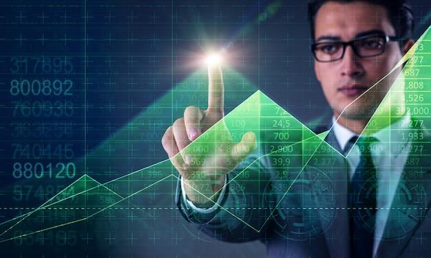 Mann im aktienhandelsgeschäftskonzept