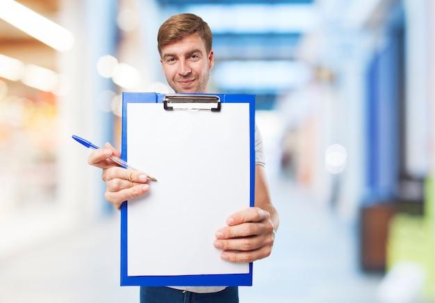 Mann mit checkliste