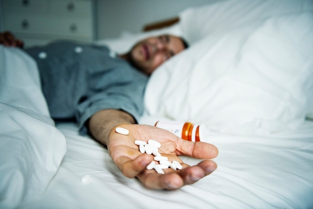 Mann überdosiert mit medizin