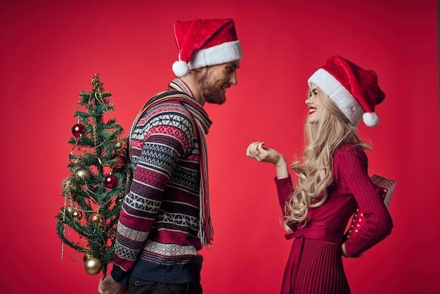 Mann und frau geschenke weihnachten neujahr lifestyle