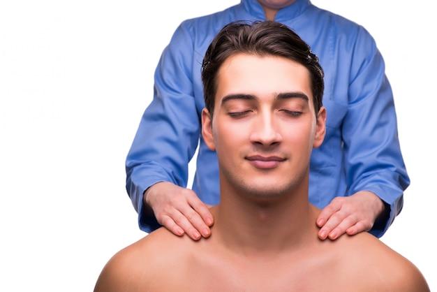 Mann während der massagesitzung lokalisiert auf weiß