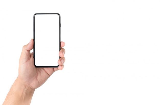Mannhand, die smartphone mit leerem bildschirm hält