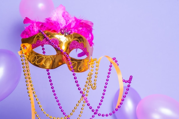 Mardi gras goldene maske