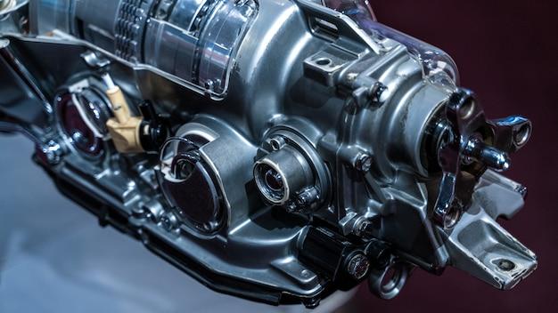 Marine engine machine