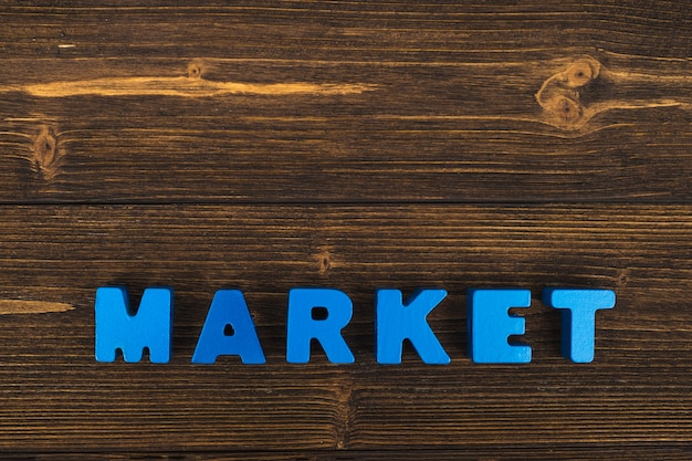 Markttext auf holztisch
