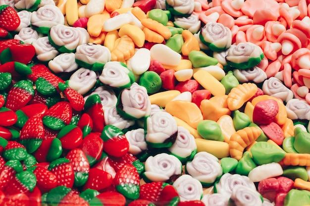 Marmeladenbonbons in verschiedenen formen und qualitäten