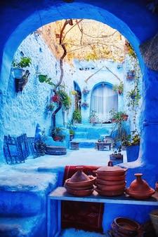 Marokko ist die blaue stadt von chefchaouen, endlose straßen