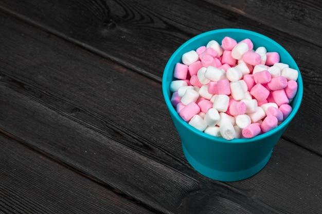 Marshmallows in einem glas