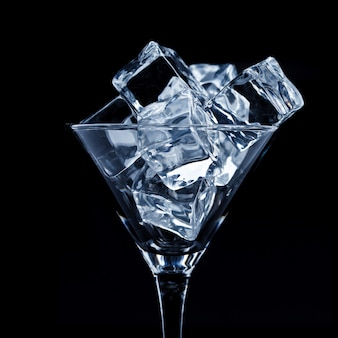 Martini-glas mit eis