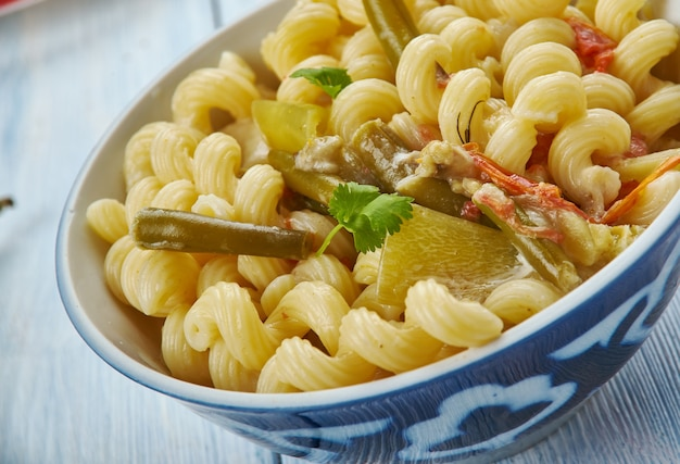 Masala makkaroni pasta, pasta nach indischer art