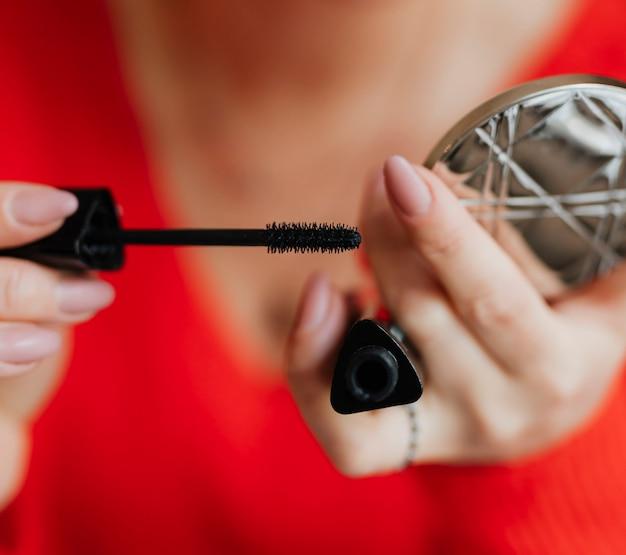 Mascara anziehen