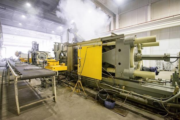 Maschinen zum schmelzen und herstellen von heizkörpern herstellung von heizkörpern