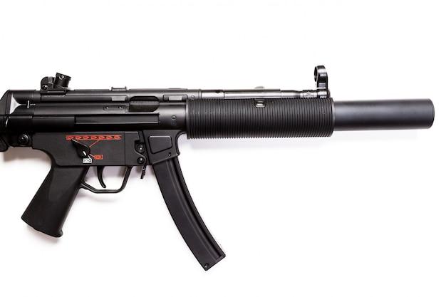 Maschinenpistole mp5 mit schalldämpfer isoliert