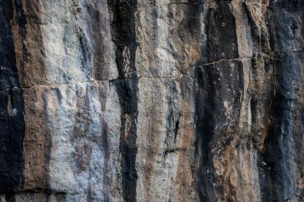 Masern sie details der felsenklippe auf der insel des seekra bi thailand