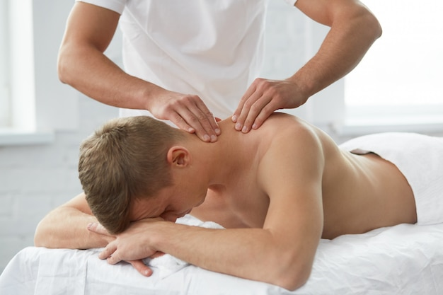 Massage mann.