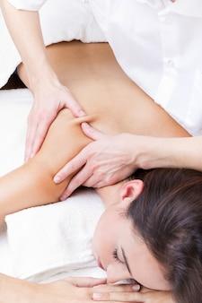 Massage schließen liegend gesundheit womans