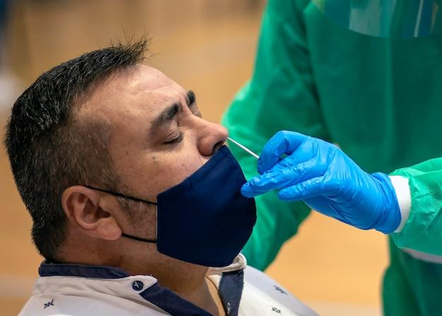 Massentests sind ein sehr wichtiges instrument zur erkennung der covid-19-pandemie