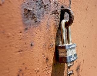 Master lock, metallic