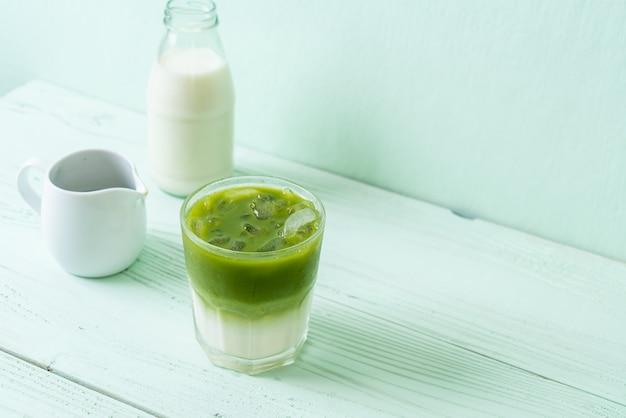 Matcha grüner tee latte vereist