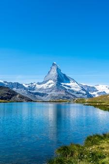 Matterhorn mit stellisee in zermatt