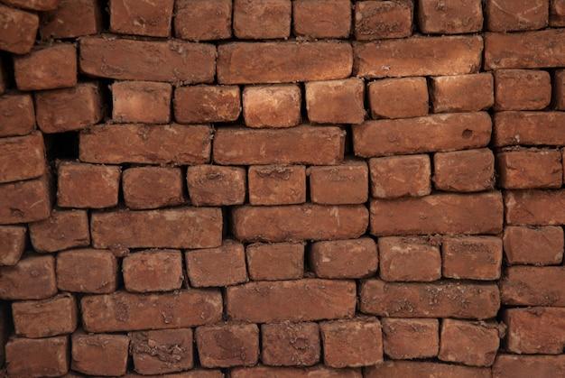 Mauer schlecht platziert ziegel
