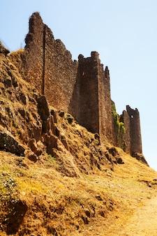 Mauern der mittelalterlichen burg