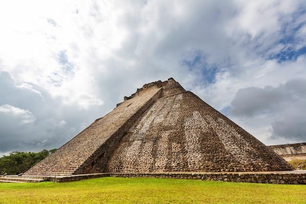 Maya-pyramide in uxmal, yucatan, mexiko