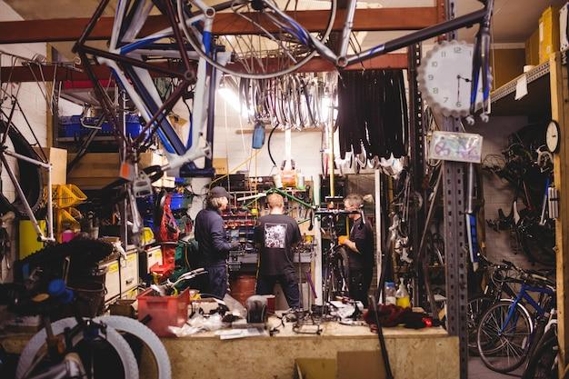 Mechanik wartung fahrräder