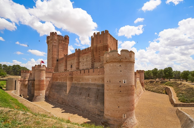 Medina del campo dorf in spanien mota schloss