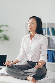 Meditieren im büro