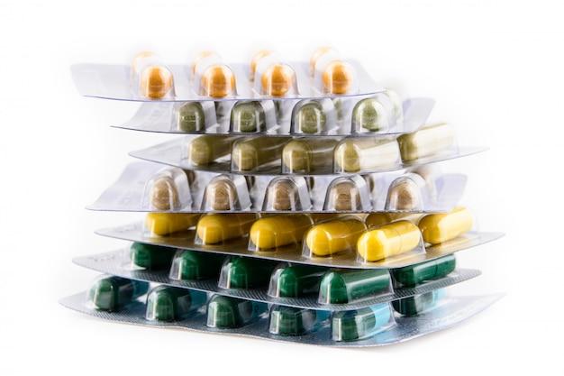 Medizin, pillen, drogentablette, kapsel, fischöl in der blase
