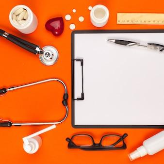Medizinische ausrüstung. medizinisches konzept