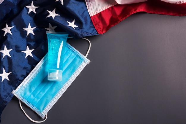 Medizinische einweg-gesichtsschutzmaske für deckmund und amerika-flagge
