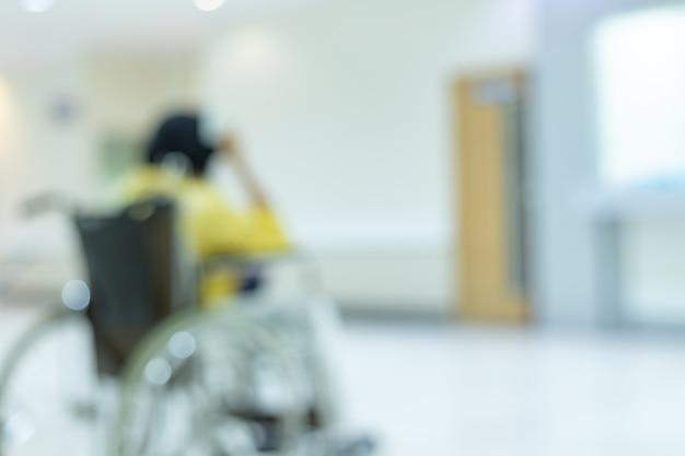 Medizinische klinik verwischt den hintergrund des krankenhaus-service-centers in der patientenstation verschwommene perspektivische ansicht des laborkorridors, der lobby oder des gehwegs für den pflegedienst