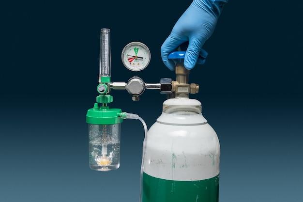 Medizinischer sauerstoffmangel wegen coronavirus-pandemie