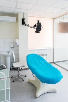 Medizinischer stuhl und videokamera