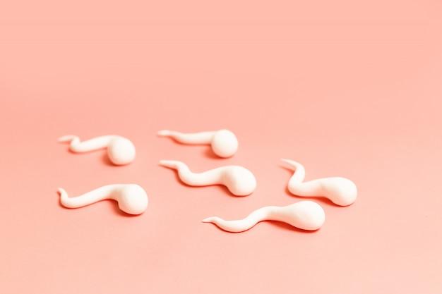Medizinisches konzept. die figur des menschlichen spermas