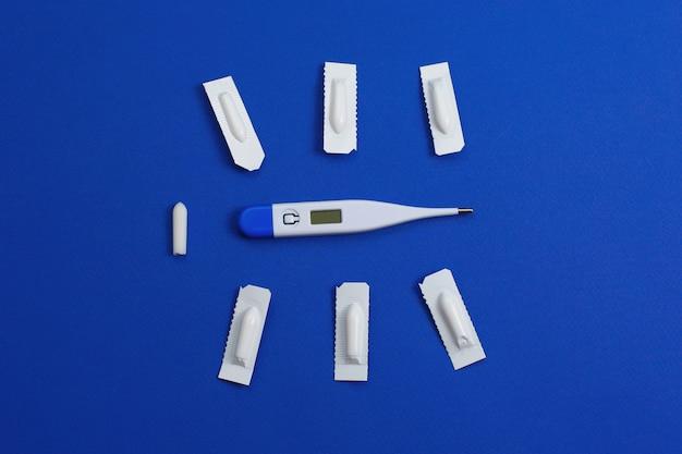 Medizinisches zäpfchen, rektal oder vaginal.