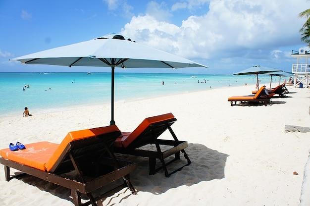 Meer sonnenuntergang am strand boracay