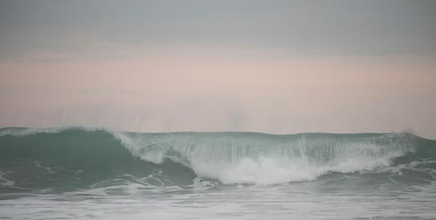 Meerblick entlang mal pais-küstenlinie in san jose costa rica