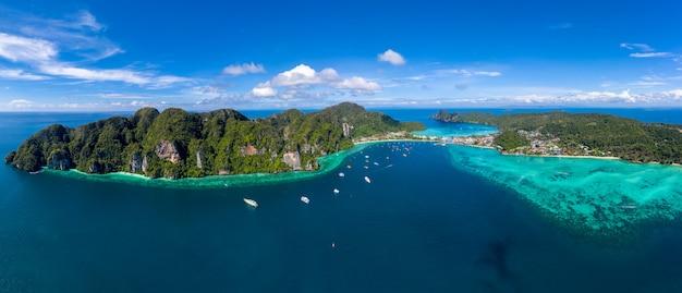 Meerblickvogelperspektive und phiphiinsel kra bi thailand