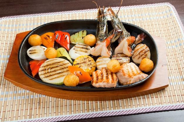 Meeresfrüchte mit gemüse, chinesische küche