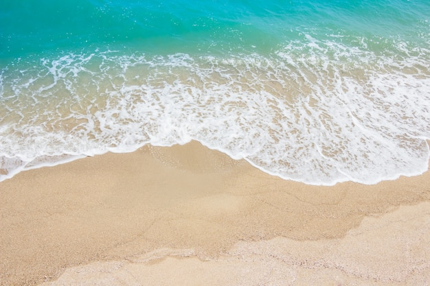 Meeresstrand im sommer