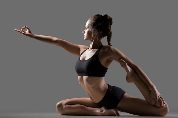 Meerjungfrau yoga pose