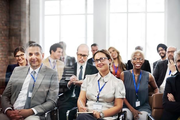 Meeting seminar konferenz schulungskonzept für das publikum