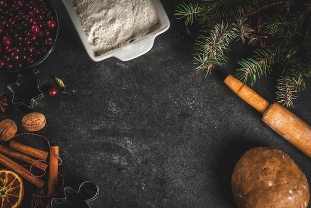 Mehl, preiselbeeren, getrocknete orangen, zimt und gewürze