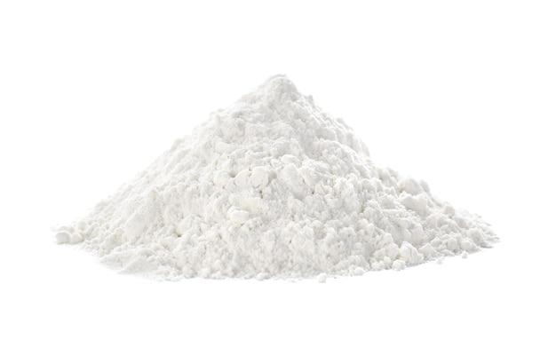 Mehlhaufen auf weiß