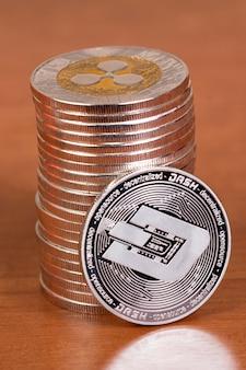 Mehrere ausgerichtete kräuselmünzen
