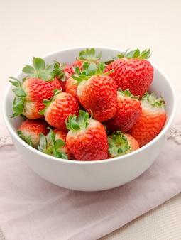 Mehrere frische erdbeeren