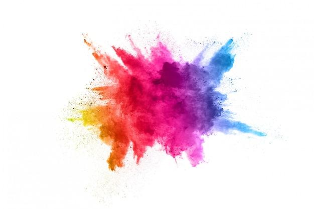 Mehrfarbenpulverexplosion auf weißem hintergrund